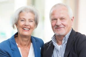 bringing-back-your-full-smile-with-implant-dentures